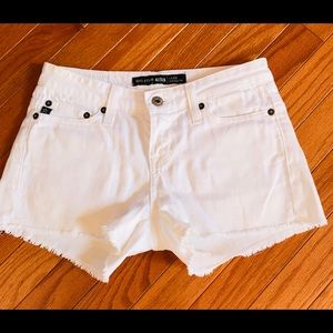 Ladies White Mid Rise Fit Jean Shorts